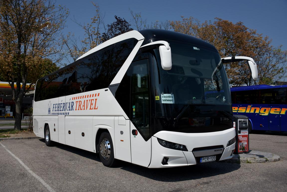 Neoplan Tourliner von Fehervar Travel aus Ungarn 2017 in Krems.