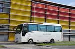Isuzu/533682/isuzu-tourqoise-von-dvoracek-reisen-aus ISUZU Tourqoise von Dvoracek Reisen aus der CZ in Krems unterwegs.
